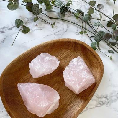 Cuarzo rosa en bruto 6x6