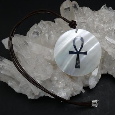 Colgante nácar cruz de la vida