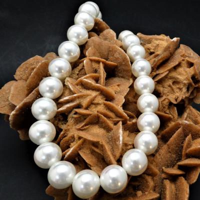 Collar perlas de nácar prensado y goldfield