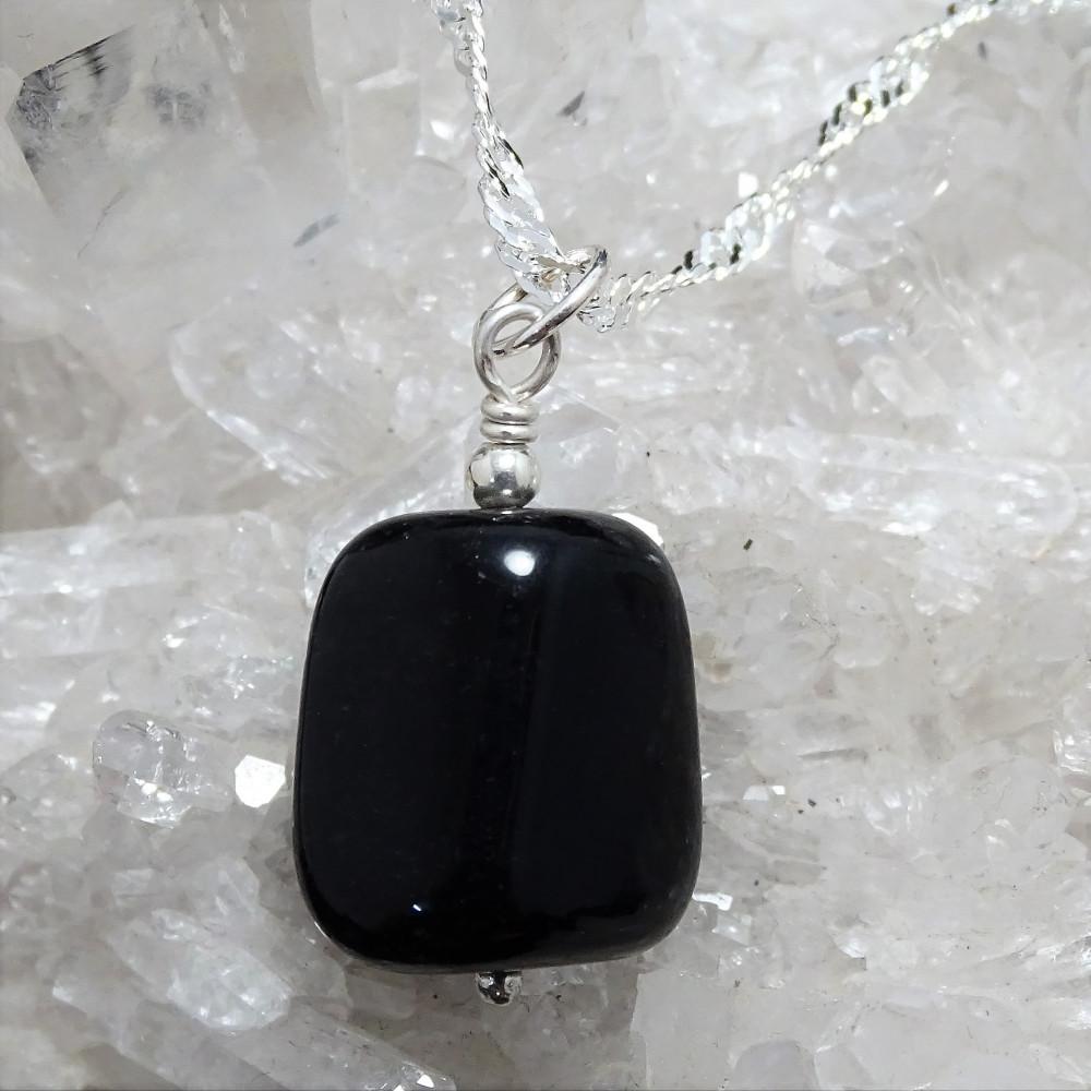Colgante Capricornio / Obsidiana Nevada con cadena de plata 1ª ley